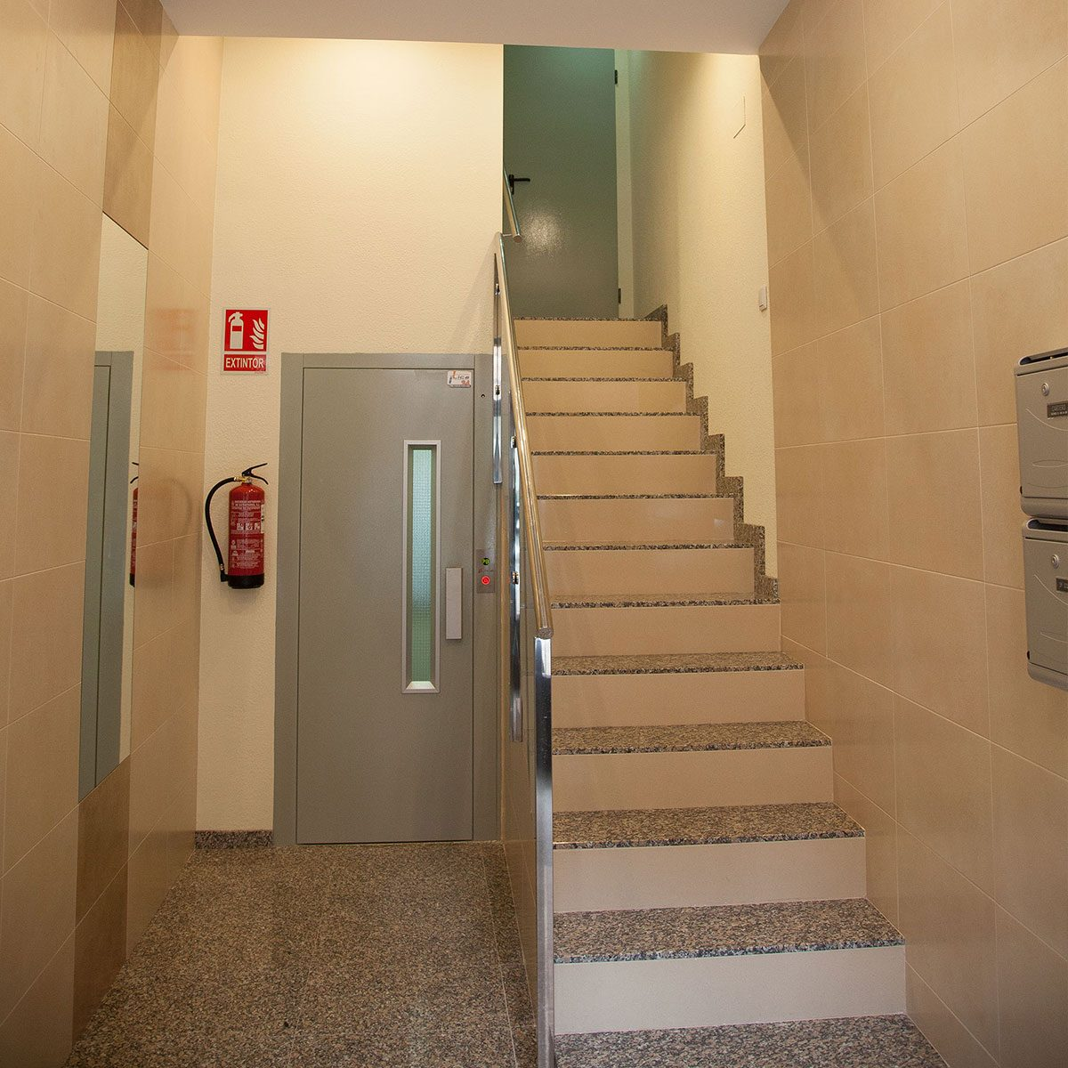 ascensor cota cero
