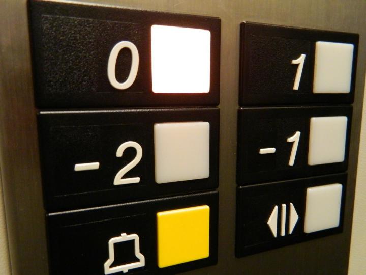 Instalar un ascensor en tu comunidad: ¿qué debes hacer?